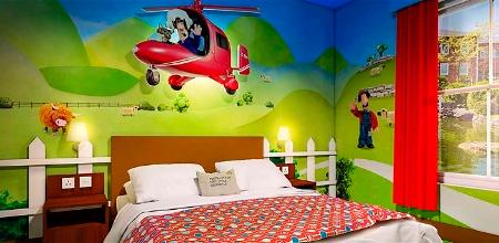Alton-Towers-Resort-Cbeebies-Land-Hotel-hab4-Postman-Pat-Room